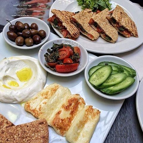 Good morning ☀️❤️☀️❤️☀️Enjoy your Sunday everyone ☺️ (Memory Lane Beirut)