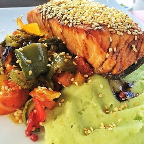 Grilled Organic Salmon with wasabi purée & veggies 😍❤️ Where are you celebrating Valenine's? 💏 (The Beazbee)