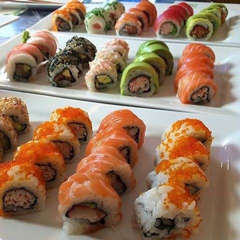 Any sushi fans??? 😍😍😍🍣🍣🍣 Credits to @janeauchocolat (Mon Maki A Moi)