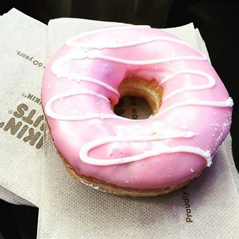 A lovely pink donut will do right about now! 😍🍩🍩🍩 Credits to @lebfoodie (Dunkin Donuts Zalka)