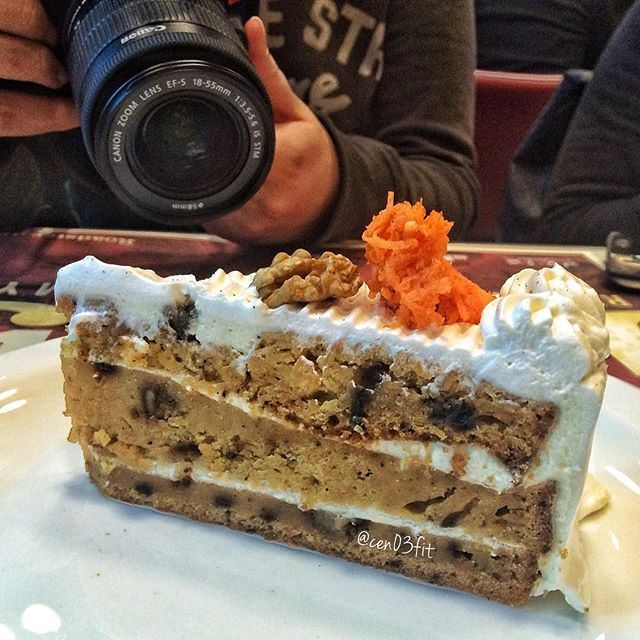 The AllFit moist Carrot Cake getting a photoshoot 😍👍 Check out the new AllFit menu at @roadsterdiner 😳😳😳 Credits @cen03fit (Roadster Diner , Bliss)