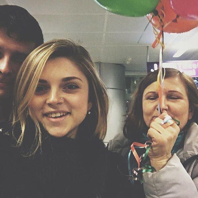 Там, там, там, тільки там, де є сім'я...☺️❤️ сльози щастя! (Boryspil Airport, KBP Terminal D)