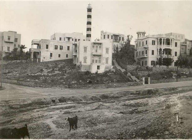 Manara 1942