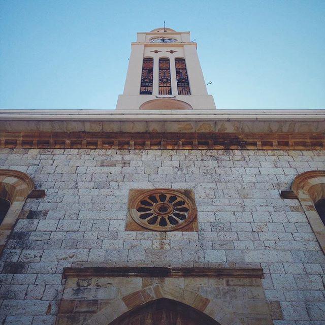 Здесь особенная атмосфера. Может потому что везде есть церкви, келии, места для молитвы? (Douma Hotel)