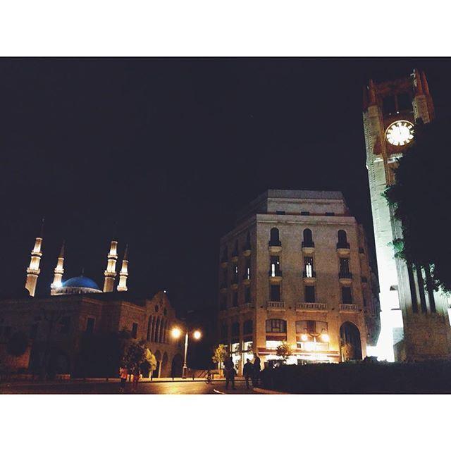 Часы от Rolex и вечерний центр Бейрута.