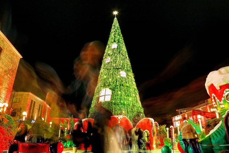 Christmas spirits. (Byblos - Jbail بيبلوس/جبيل)