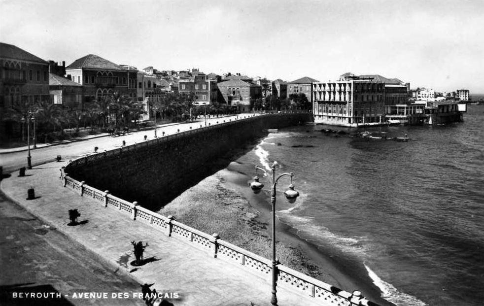 Avenue des Francais 1930