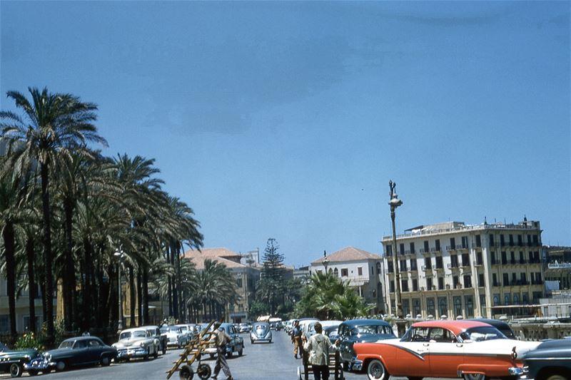 Avenue Des Francais 1956