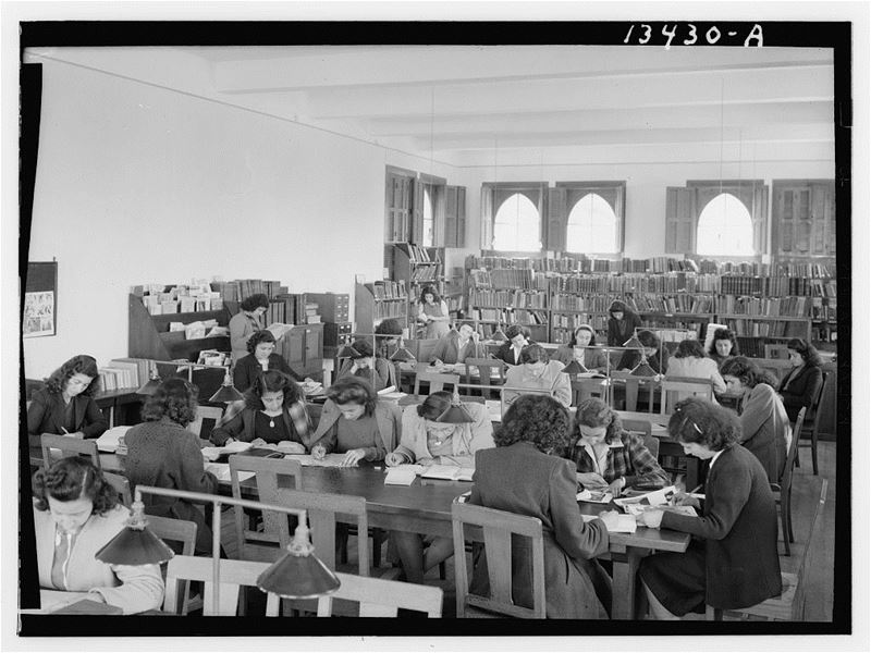Junior Girls College Library  1946