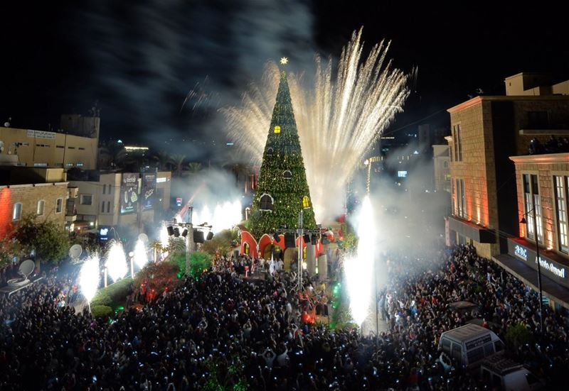 Byblos inaugurated a 30-metre high Christmas tree displayed at its entrance.