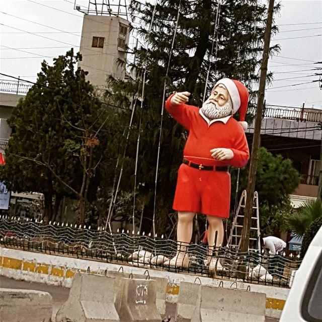 Santa in shorts!!....why not!! (Tabarja)