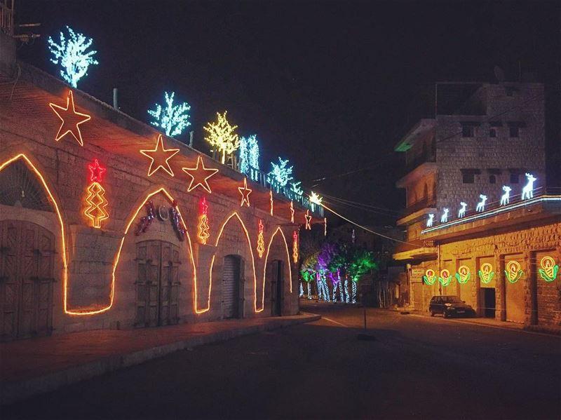 Christmas Decorations in Beit Eddine (Beit Eddine)