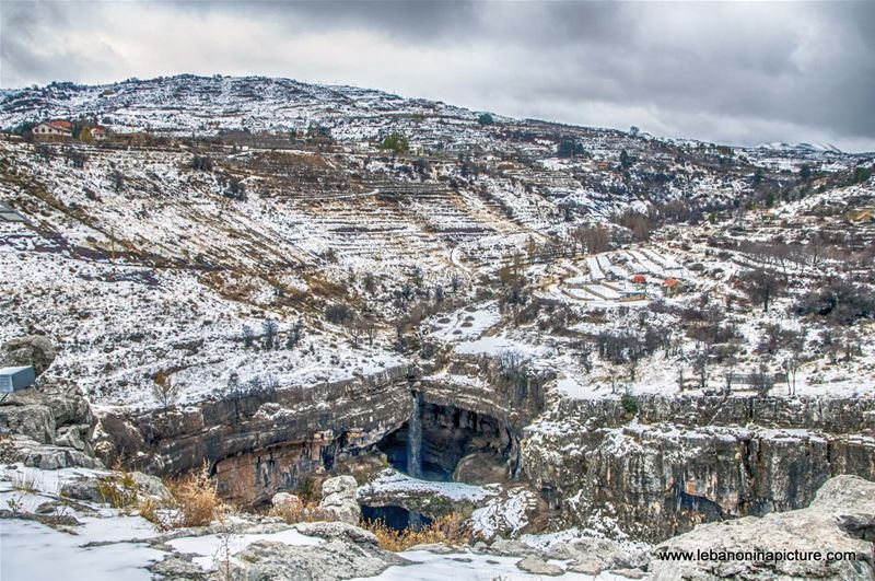 Belou3 Bal3a Waterfall and Sinkhole Under the Snow (Tannourine, Lebanon)