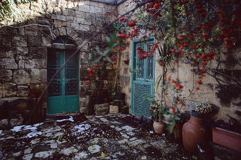 A house inside a castle. A very old woman still lives here (Baadarâne, Mont-Liban, Lebanon)