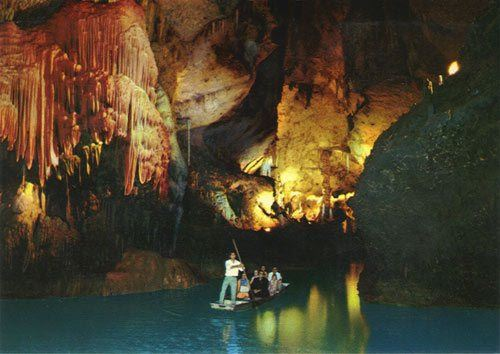 A Collection of Pictures From Jeita Grotto