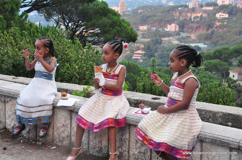 Around the World in Beit Chabeb