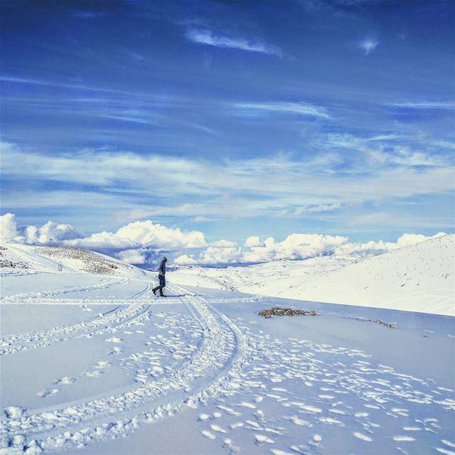 Snow 😍 lebanon snow white sky footsteps clouds livelovelebanon ... (Faraya Mzaar)