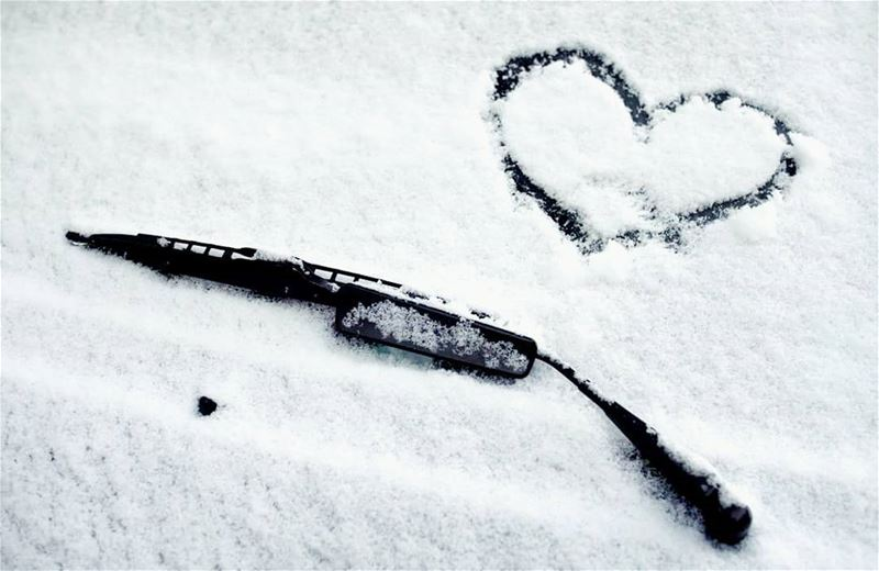 Make love... Not war (AFP) ❤❄ winter winter2017 wintertime snow heart...
