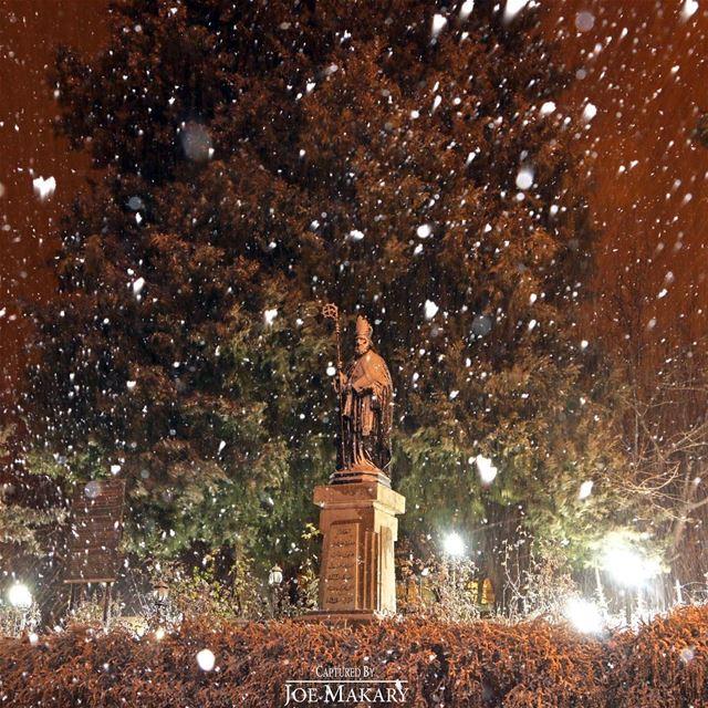 قديس من بلادي العلامة البطريرك الدويهي ehden snow night light ...
