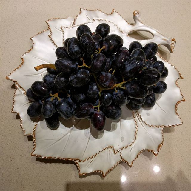 grapes fruitslover fruit whatsuplebanon lebanesespotlights ...