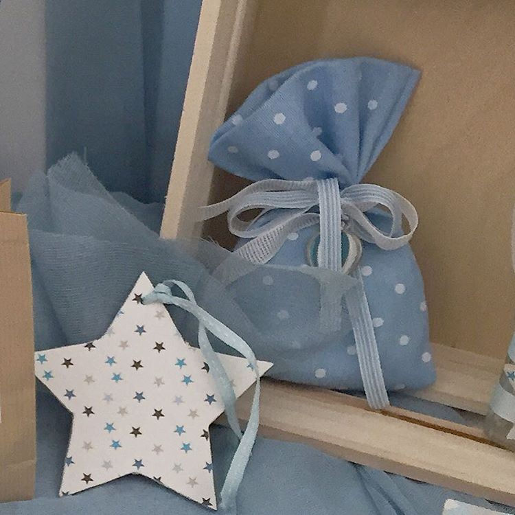 A new star is born 💙 newborn favors. Write it on fabric by nid d'abeille ...