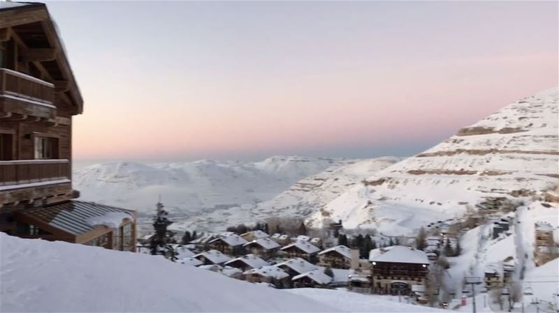 Sunny Sunday ☀️☃️🗻 faraya mountains sunset lebanon love 🇱🇧 @thaliaa (Faraya, Mont-Liban, Lebanon)
