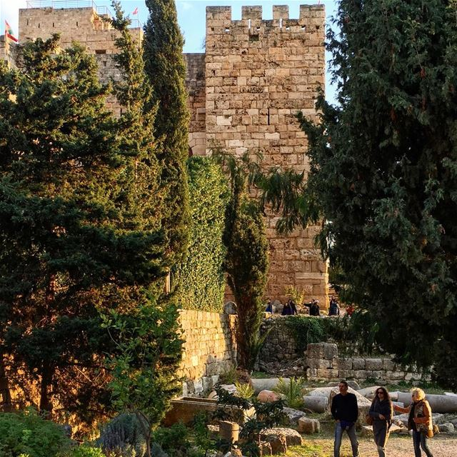 Have a wonderful day Igers 🌱💕 ...... liveoutdoors  explore ... (Byblos Castle)