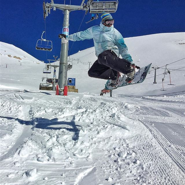 @ehdenmountainactivities this is how we do it...  snowboarding  jump  snow... (Al Arz)