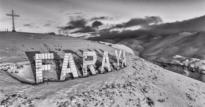 Fresh snow in faraya 😊 ✌ snow mountains drone clouds lebanon ... (Faraya, Mont-Liban, Lebanon)