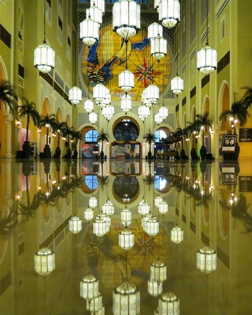 ... When the design, setting and mood are harmoniously perfect..------.... (Movenpick Hotel Ibn Battuta Gate)