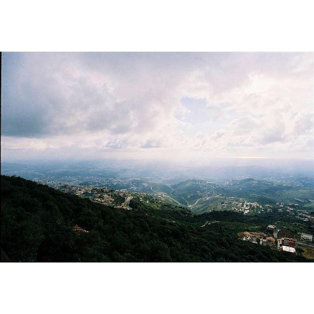 🙋 sightseeing——— kodak 35mm portra400 justgoshoot lifeofadventure ... (Mleeta Tourist Landmark)