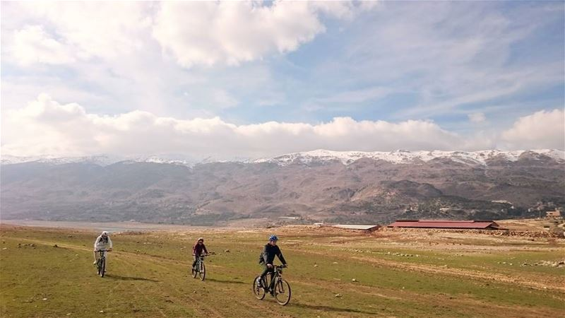 cyclingcircle lakeqaraoun ... (Lake Qaraoun)