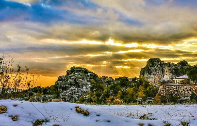 lebanon feitroun faitroun golden sunset livelovelebanon ... (Feitroun, Mont-Liban, Lebanon)