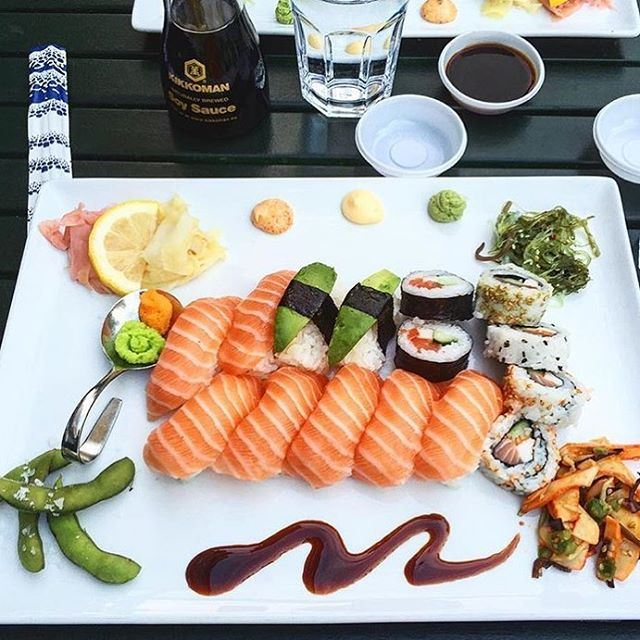 Allt jag behöver just nu😂🙄Credits: @njoy_stockholm Sushi 🍣😍... (Svenska Sushiköket)