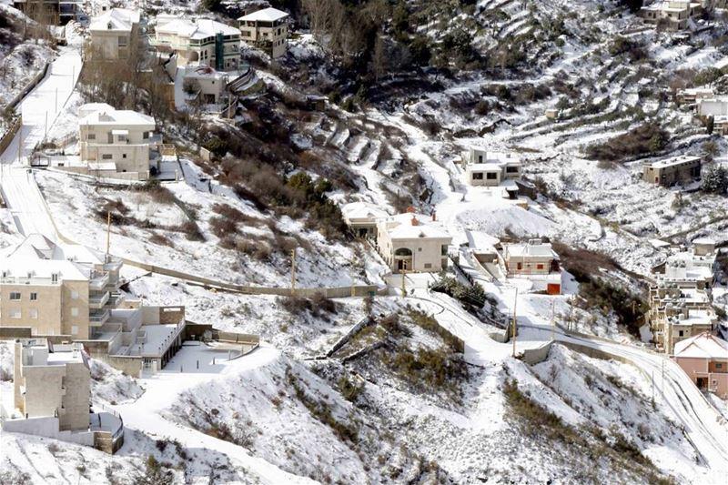 ثلوج وصقيع شباط Lebanon winter february instaleb noeffect awesome...