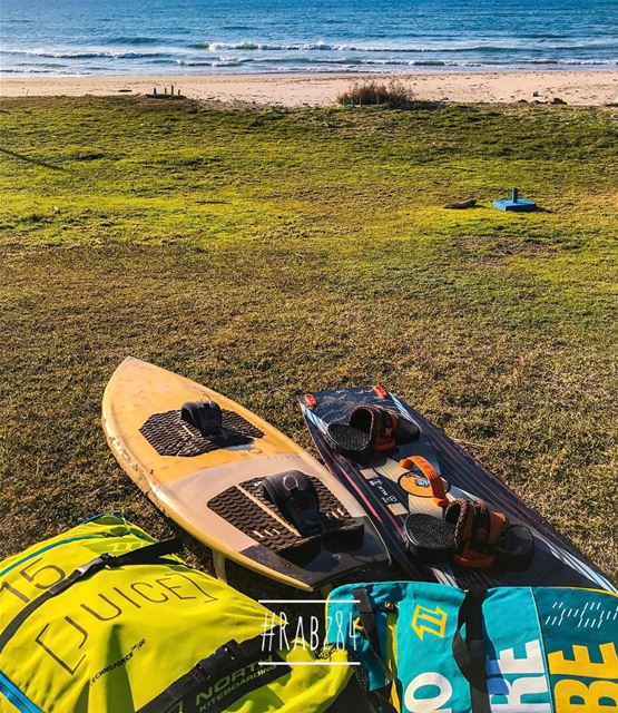 It's 5 degrees, its crazy cold, kiteboards are ready and kites to be... (La Guava Resort)