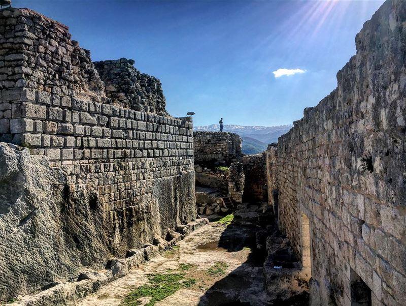 Smar jbeil castle ... 🇱🇧🏚⛰🇱🇧❤ lebanon north batroun abdelli ... (Smar Jubayl, Liban-Nord, Lebanon)