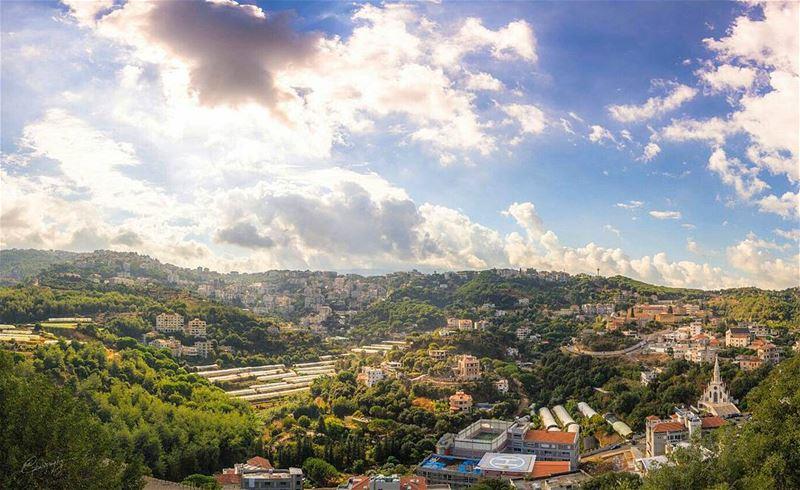 town clouds light ray tree mountains valley aintoura lebanon ... (Antoura)