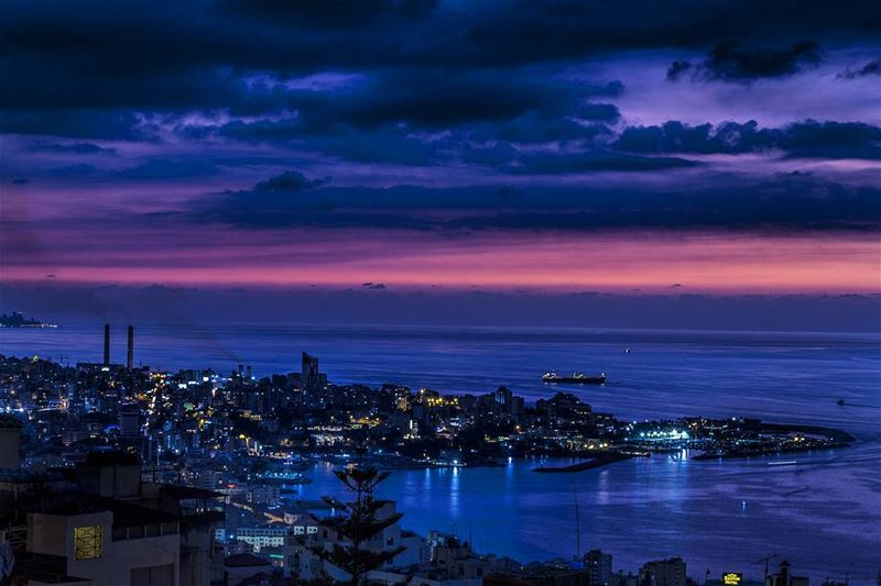 Maybe the city isn't so bad, sometimes. 🌌 cityscape ... (Jounieh Bay)