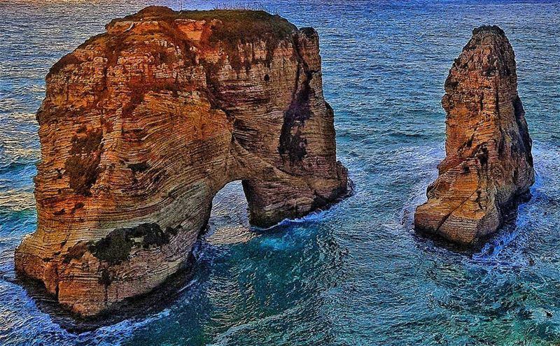 pigeonrock rawshe beirut lebanon mediterranean whatsuplebanon ...
