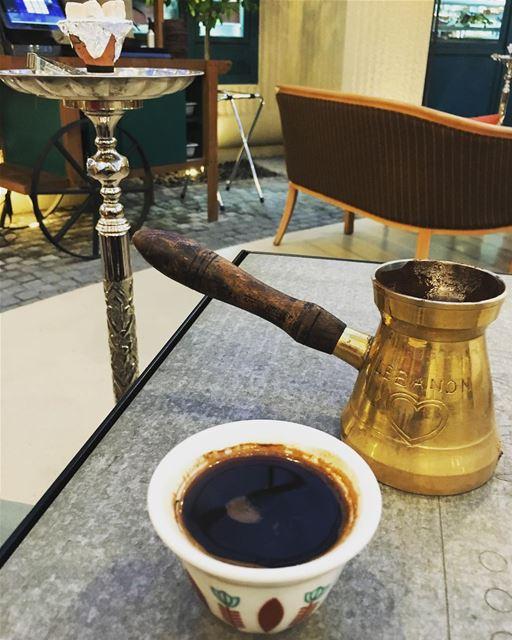 لا يحلو المساء الا بوجود القهوة.. turkkahvesi turkishcoffee kahve ... (قهوة بيروت biel)