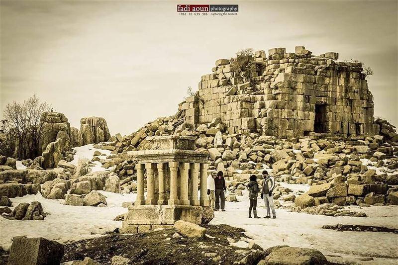 photo fadiaounphotography lebanon ruins snow photoshooting ...