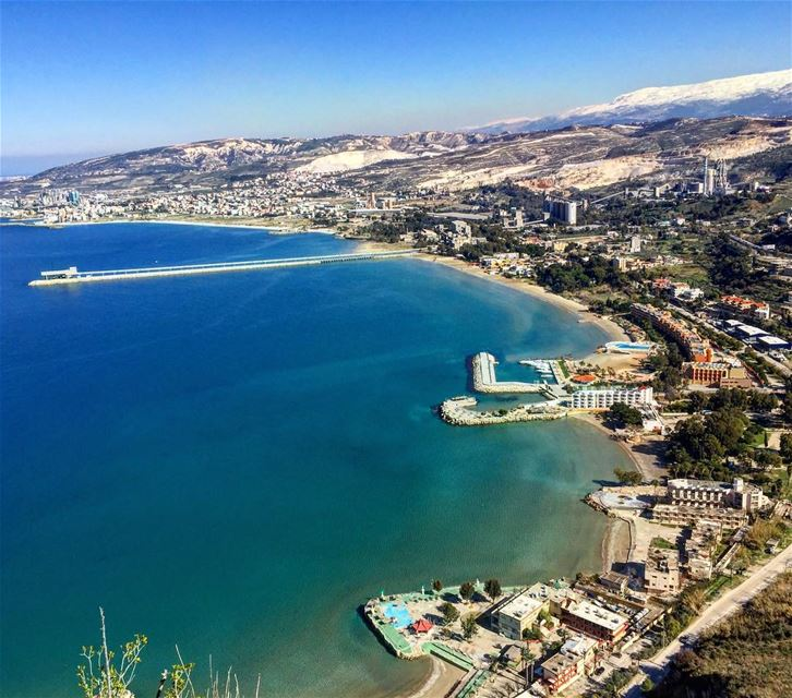 في_بلادي هيدا لبنان .. بحر و ثلج و جمال و الوان في صورة واحدة .. lebanon... (Saydet El Nourieh)