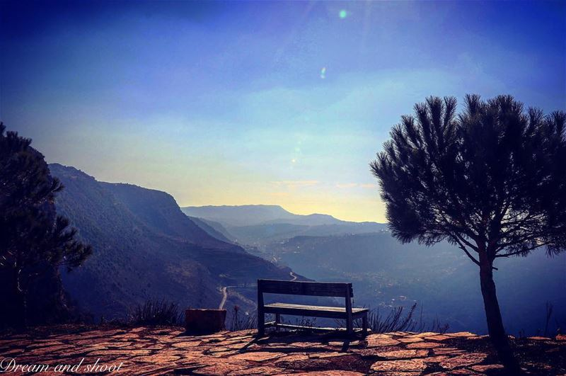 Your are not alone ,God is always there 🙏 canon7dmarkii followforfollow ... (Niha El Chouf)