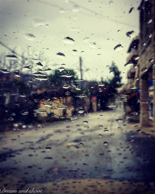 Feel the magic of rain @adham_ma_ dreamandshoot longlife superlebanon ... (Niha El Chouf)