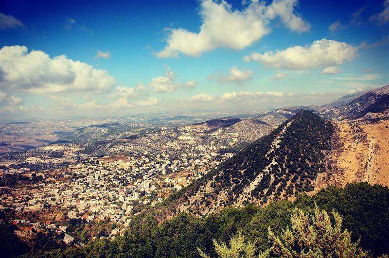 MY LOVELY TOWN photobyme lebanon niha nihamountains country❤️ ... (Niha Nabi Ayoub)