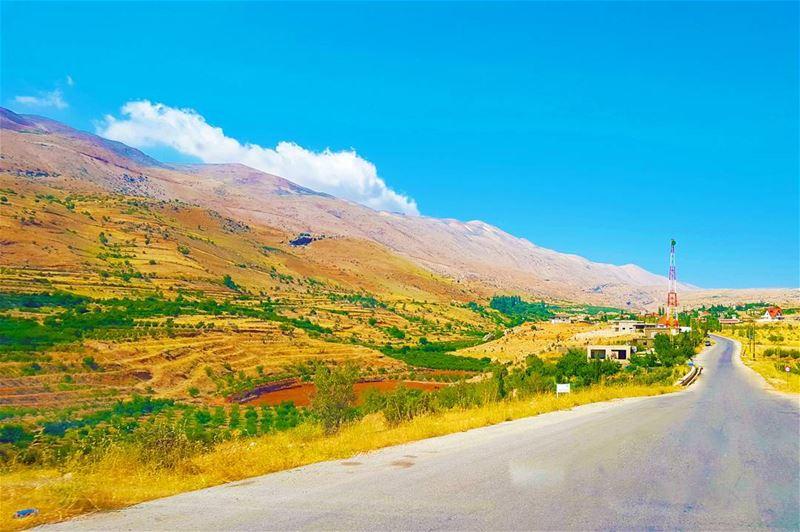 Road to Heaven... ... (Deir el Ahmar)