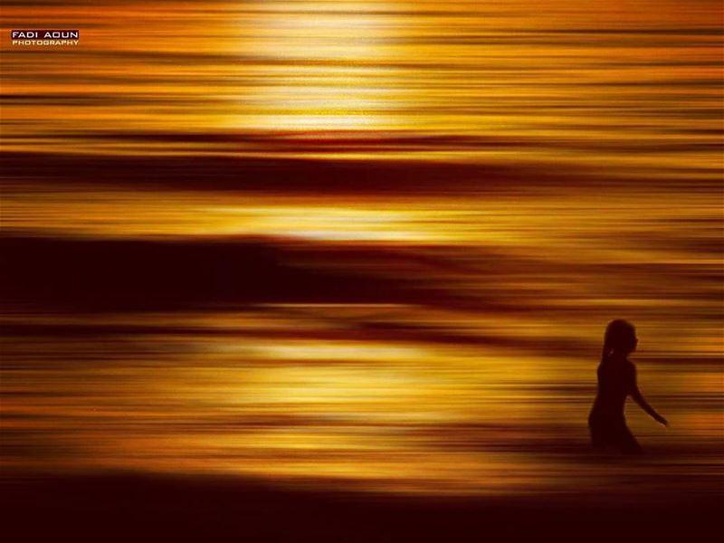 photo fadiaoun @faaoun sunset sea silhouette girl seascape ...