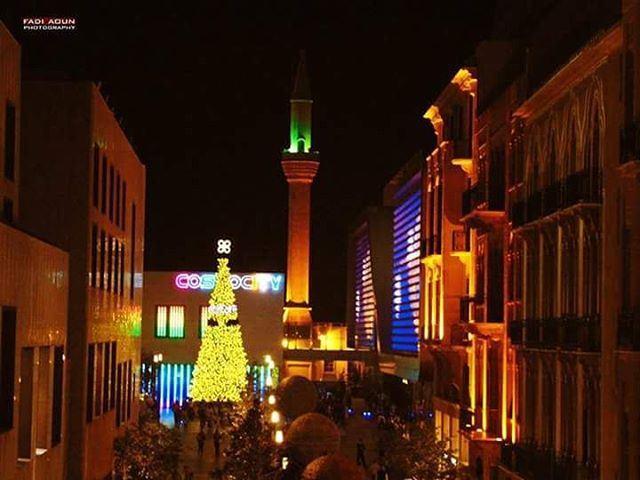 photo fadiaoun @faaoun beirut mosque Christmas tree lights ...