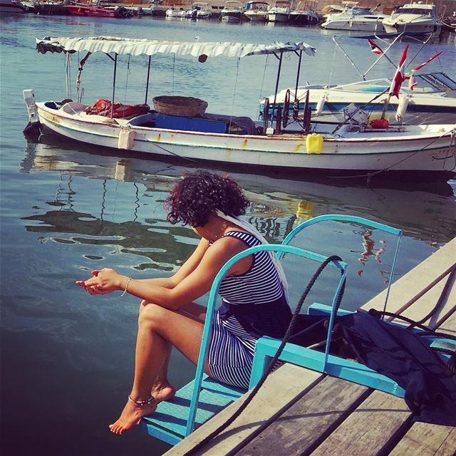 لو بتخلص الدنييي هيك وهون.... ⚓️ livelovetyre tyrepage tyre lebanon ... (Tyre Fishermen Port.)
